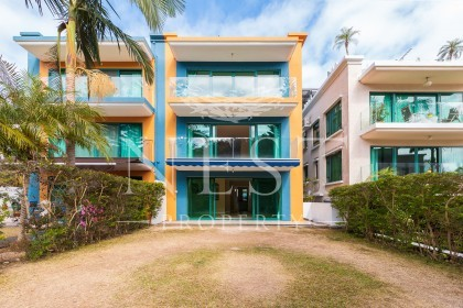 Phoenix Palm Villa